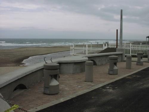 Beach Access Plaza Area